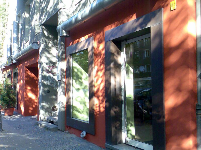 Au enraumgestaltung gemalter t raum thomas wenzel for Raumgestaltung berlin